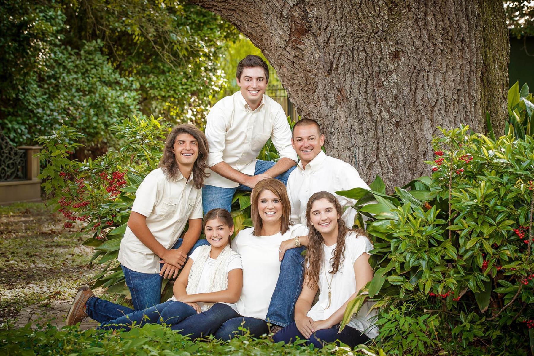 Family pictures are the corner stone of experienced professional photography. The Lighting and the style are what we dob use. Our goal is to create an image that will be on your wall for many years. We have photographed thousands of families in the Houma, Thibodaux, and Galliano area.
